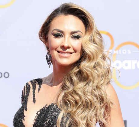 Aracely Arámbula en la alfombra roja de los Premios Billboard