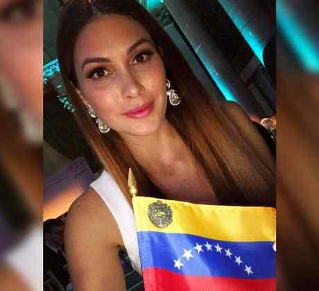 Gabriela Isler, Miss Venezuela, Miss Universo 2013, Posando con la bandera de Venezuela, Miss Universo 2019