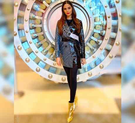 Sofía Aragón, Miss México 2019, Posando con atuendo metálico, Miss Universo 2019