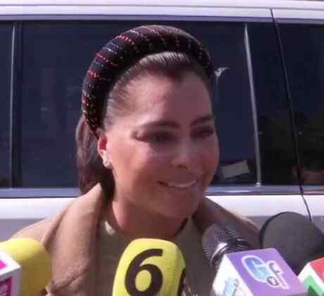 Yadhira Carrillo a la salida de cárcel tras visitar a Juan Collado