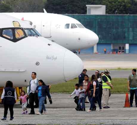 Inmigrantes deportados de Estados Unidos a Guatemala por ICE