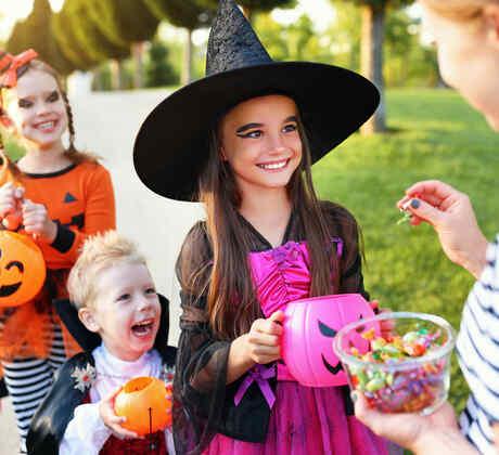 20 ideas de dulces y bolsas para llevarlos este Halloween   Telemundo