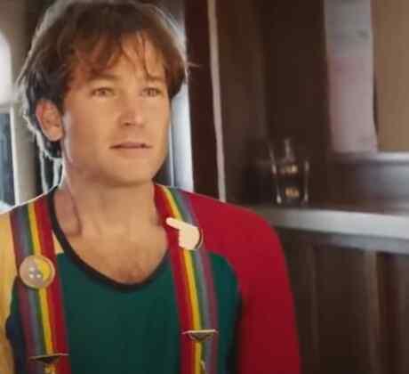Jamie Costa como Robin Williams