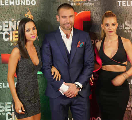 Rafael Amaya, Carmen Villalobos, Fernanda Castillo, alfombra roja, estreno, El Señor de los Cielos 3