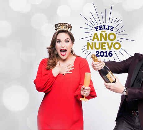 Angélica y Raúl les desea un ¡Feliz Año 2016!