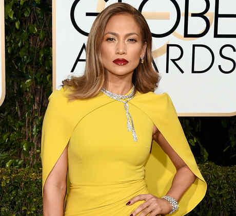 Jennifer Lopez en la alfombra roja de los Golden Globes 2016.