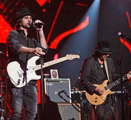 Juanes y Carlos Santana Latin Billboards