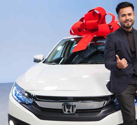 """Carlos Ayon recibe un Honda Civic en """"¡Qué Noche!"""