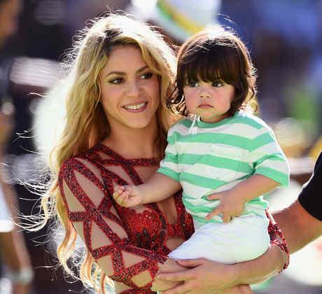 Shakira con Milan en brazos en la final de la FIFA World Cup Brazil 2014