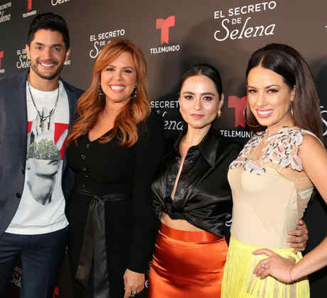 """Daniel Elbittar, María Celeste Arrarás, Damayanti Quintanar y Sofía Lama en el estreno de """"El Secreto de Selena"""""""