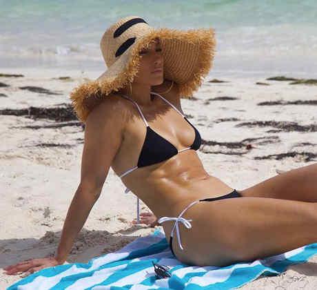 Jennifer Lopez en la playa