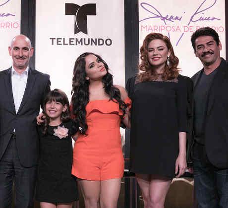 Mariposa de Barrio, elenco, ejecutivos Telemundo