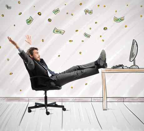 Al trabajador le cae dinero del cielo