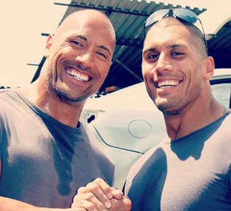 "Dwayne ""The Rock"" Johnson y Tanoai Reed."