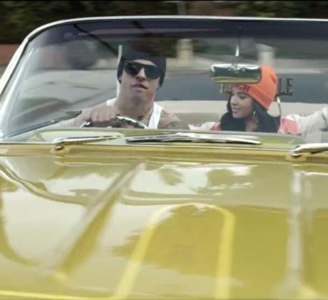 "Becky G y JLo en el video musial de ""Becky from the Block"""