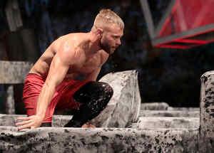 Nate libra obstáculos en la Mina