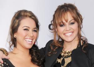 Chiquis Rivera con su mamá Jenni Rivera