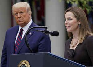 La jueza Amy Coney Barrett al aceptar la nominación a la Corte Suprema.