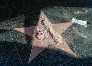 Vandalizan la estrella de Donald Trump en Hollywood