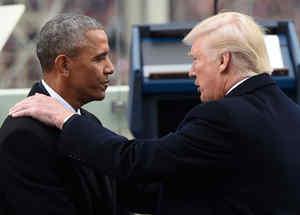Obama y Trump se saludan durante la toma de posesión del 20 de enero