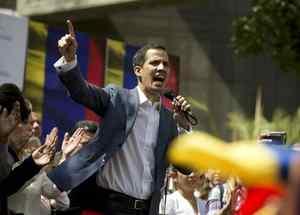 Juan Guaidó, presidente interino de Venezuela, durante un discurso en las calles de Caracas.