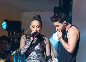 Prince Royce y JLo iHeartRadio Fiesta Latina Presented By Sprint - Show