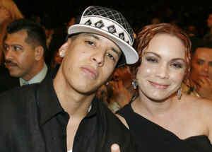 Daddy Yankee con su esposa en premios Lo Nuestro 2007