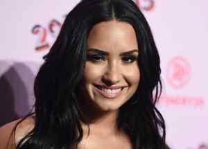 Demi Lovato en la apertura de 29rooms en Los Angeles