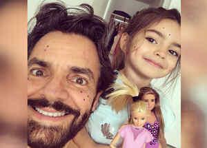 Eugenio Derbez  con su hija Aiatana