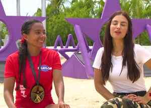 Aridt sonríe en entrevista con Jessica Cediel