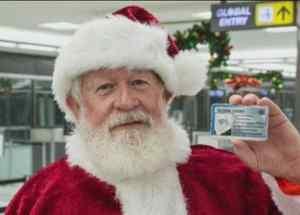 """Santa Claus con """"Global Entry"""""""
