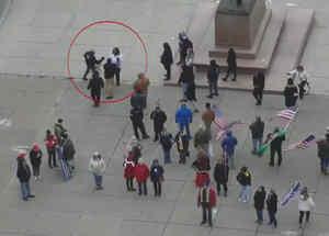 Hombres pelean a puñaladas en Nueva York