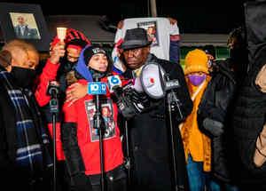 Familiares de Andrew Hill protestan contra el crimen racial
