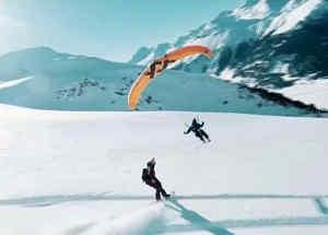 Combinan extremas disciplinas para lanzarse sobre la nieve
