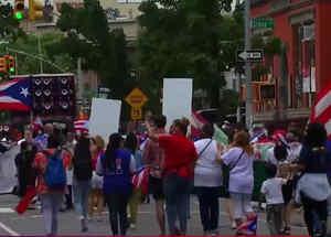 Elenco de 'In the heights' participa del desfile puertorriqueño