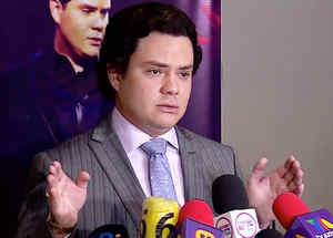 Manuel José responde a demanda de paternidad