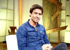 Tiago Correa habla con la fan infiltrada
