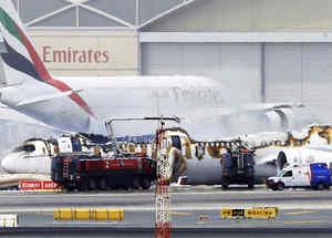 avion se incendia en dubai
