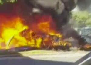 avioneta en llamas