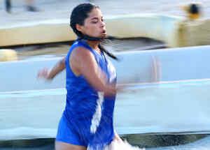 Denisse Novoa corriendo en el circuito azul