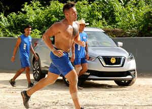 Tavo González corre frente al SUV del año