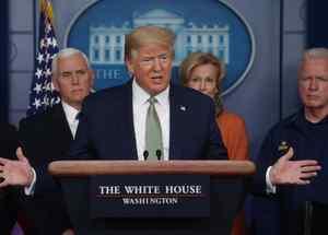 El presidente de los Estados Unidos, Trump, dirige una sesión informativa diaria sobre el coronavirus (COVID-19) en la Casa Blanca en Washington