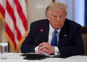 El presidente de Estados Unidos, Donald Trump, organiza un evento para celebrar la aplicación de la ley en la Sala Este de la Casa Blanca en Washington, EE.UU.