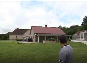 Ramiro Herrera entrena palomas mensajeras en Delaware, Estados Unidos.