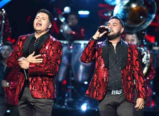 Banda Sinaloense MS cantando en Latin American Music Awards 2016