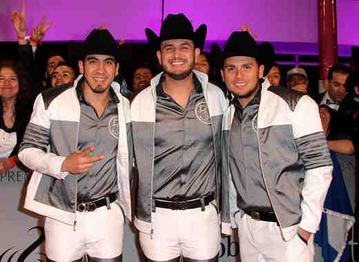 Calibre 50 2015 Premios Lo Nuestros Awards - Arrivals/Roaming